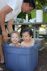 How to wash toddlers while camping