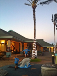 restaurant near maui ocean center